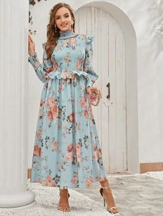 Frock Fashion, Modesty Fashion, Korean Fashion Dress, Hijab Fashion, Fashion Outfits, Long Dress Design, Stylish Dress Designs, Designs For Dresses, Indian Gowns Dresses