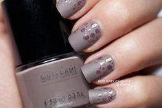 gray/purple nails