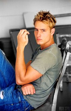 Justin Hartley is the privileged, slightly detached, arrogant son of Carter and Shiera Saunders-Hall, the Hawkman and Hawkwoman. Hall was raised in a multitude of locations, as his parents traveled constantly. He even had the disruptive tragedy of losing his parents at an early age, and then reconnecting with them in their newly incarnated forms. Bright, passionate, and popular, he is nonetheless a lost soul.