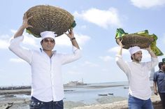 Sonu Sood and Tusshar Kapoor visit Haji Ali after 'Shootout at Wadala' Release and Success