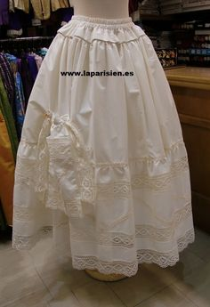 Enagua modelo LP2AH Crinoline Dress, Hardanger Embroidery, Romantic Lace, Christening Gowns, Heirloom Sewing, Vintage Sewing Patterns, Fashion Accessories, Flower Girl Dresses, Costumes