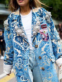 11 Stylish Celebrities Whose Kids Look Just Like Them Fashion 2020, Fashion News, High Fashion, Fashion Outfits, Womens Fashion, Trash To Couture, Fashion Details, Fashion Design, Mode Inspiration