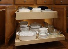 Another blog detailing how to build pull out drawers.