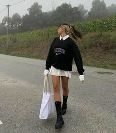 Indie Outfits, Teen Fashion Outfits, Retro Outfits, Cute Casual Outfits, Vintage Outfits, Girl Outfits, Aesthetic Fashion, Aesthetic Clothes, Aesthetic Indie