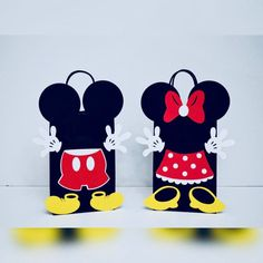 Set of 10 Mickey and Minnie Mouse Birthday Party Favors/ Mickey Mouse Pinata, Minnie Mouse Party Decorations, Mickey Party, Mickey Mouse Birthday, Birthday Gift Bags, Mickey Mouse And Friends, Party Favor Bags, Card Stock, Filipino