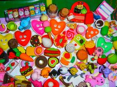 Homemade erasers (in spanish) Blogs Ideas, Ideas Para, Frozen Coloring Pages, Crafts For Kids, Diy Crafts, Cute Clay, Clay Creations, School Supplies, Craft Projects