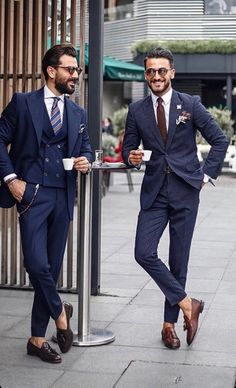 Easily create a modern casual style for men for the coming s Mens Fashion Wear, Mens Fashion Blog, Suit Fashion, Fashion Ideas, Mode Costume, Men Formal, Gentleman Style, Men Looks, Wedding Suits