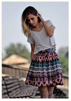 Ooooooh, love the skirt!  Nice effortless look...