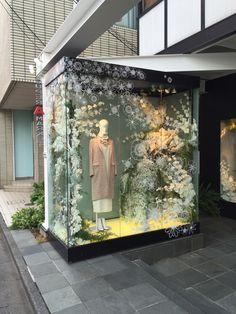 #aoyama #autumn2015 #tokyofashiontour #shopwindows #vmd Super A