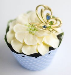 Vintage Butterfly Cupcake Toppers - SugarEd Productions Online Classes