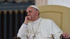 Cardinale Burke attacca Papa Francesco su matrimoni gay