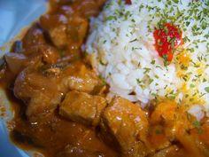 Fehérboros apróhús, chilis, petrezselymes rizzsel Chilis, Grains, Curry, Rice, Ethnic Recipes, Food, Curries, Essen, Chili