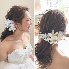 リラックス感のあるローポニーテール 顔まわりもおくれ毛も極力自然な癖付けにしてナチュラルに #hawaii#hairmake#hairarrange#makeup#weddinghair#hawaiihairmake#weddingphoto#photoshooting#TheTerraceByTheSea#53ByTheSea#TAKAMIBRIDAL#テラスバイザシー#タカミブライダル#ハワイウェディング#ハワイヘアメイク#ウェディングヘア#ヘアメイク#ヘアスタイル#ヘアセット#ヘアアレンジ#花嫁#プレ花嫁#オシャレ花嫁#ウェディングドレス#美容師#ポニーテール#オシャポニ Kawaii Hairstyles, Bride Hairstyles, Asian Bride, Wedding Flowers, Wedding Dresses, Headdress, Bridal Hair, Hair Cuts, Hair Color