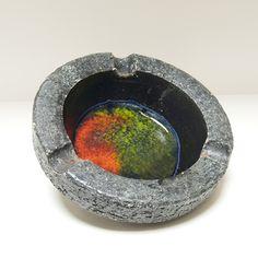 Robuuste asbak met groen / oranje glas