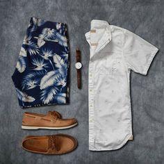 Bermuda Tropical Masculina, Bermuda Resort. Macho Moda - Blog de Moda Masculina: SHORTS TROPICAL MASCULINO: Dicas de Looks pra Inspirar e Onde Encontrar, Moda para Homens, Tendências Verão Moda Masculina, Roupa de Homem Verão 2018, Camisa Branca, Dockside Marrom, Shorts Folhas Azul
