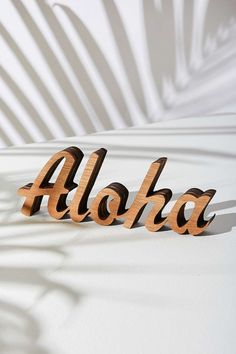 UO Souvenir Hawaii Aloha Sign - Urban Outfitters