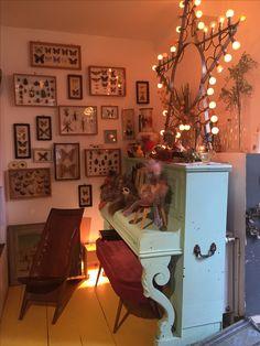 Showroom, Corner Desk, Gallery Wall, Frame, Furniture, Home Decor, Homemade Home Decor, Corner Table, Home Furnishings