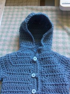 Knitting Patterns Cocoon How to add a crochet hoodie or collar to your baby cardigan / baby sweater Crochet Baby Sweater Pattern, Crochet Baby Sweaters, Baby Sweater Patterns, Crochet Hoodie, Crochet Collar, Crochet Baby Clothes, Crochet Cardigan, Baby Patterns, Baby Knitting