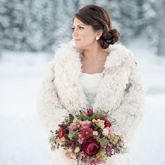A breathtaking winter backdrop, floral watercolor invitations, and pretty blooms in this styled shoot | Brooke Bakken Photography