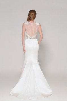 11 Super Stunning Lace Back Wedding Dresses