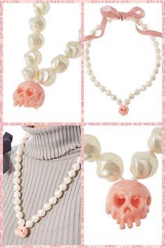 Q-pot Halloween skull necklace ¥20,000.