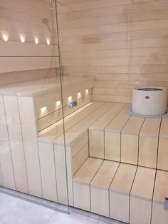 Koti seitsemän raksablogi Portable Sauna, Sauna Design, Finnish Sauna, Bathroom Toilets, Bathrooms, Steam Sauna, Sauna Room, Spa Rooms, Bathroom Goals
