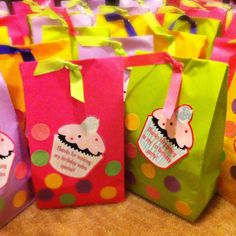 DIY 1st birthday cupcake theme candy bags:)