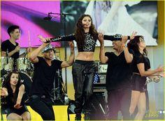 Selena Gomez: GMA Performance Pics & Video! | selena gomez gma performance pics 31 - Photo