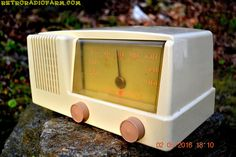 BLUETOOTH MP3 READY - Antique Ivory Mid Century Retro Vintage 1950 General Electric Model 414 AM Tube Radio Totally Restored!