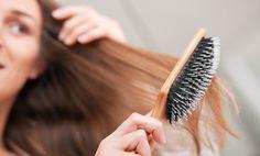 Caldo, freddo, inquinamento, stress, i nostri capelli vivono in prima linea tutto quello che affrontiamo ogni giorno. E la caduta di capelli fragili è un problema che prima o poi tutte le donne si trovano ad affrontare. Spesso alla caduta di capelli stagionale si aggiungono altri fattori esterni come lo stress che possono aumentare il numero … Continued