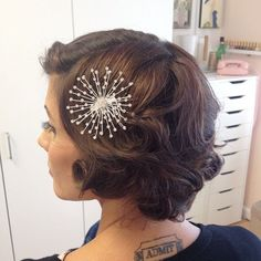 Vintage Hairstyles Curls The Most Beautiful Wedding Hairstyles - Vintage Curls Short Curls, Short Hair Updo, Short Bob Hairstyles, Short Hair Cuts, Curly Hair Styles, Long Hair, Short Hair Bridal Styles, Vintage Wedding Hair, Short Wedding Hair