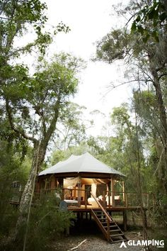 Ecotourism and sustainable accommodation is on the rise. Ask us about luxury ecolodges for a romantic escape or a glamping experience or treehouse stay. Best Family Camping Tents, Camping Glamping, Luxury Camping, Eco Cabin, Cabin Tent, Cabin Homes, Outdoor Life, Outdoor Living, Ideas De Cabina