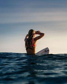 Bom dia!  Nosso mood para essa sexta-feira!  #shoponline www.ceciliaprado.com.br#happyfriday #surfwear #beach #beachwear #summer #verão2016 #ceciliaprado