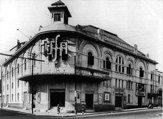 A construção abaixo foi um enorme cinema de rua que era localizado bem no início da avenida Duque de Caxias, ainda no Largo do Arouche. O Colyseo Paulista, foi o primeiro cinema a ostentar o logotipo da empresa cinematográfica alemã UFA na cidade. Poucos anos depois, em 1936, o UFA-Palace seria inaugurado e tornar-se-ia o grande exibidor de filmes alemães em terras paulistanas.