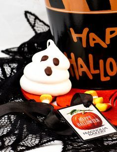 Merengue ¡boo! #MagnoliaBakery #Halloween #Cupcakes