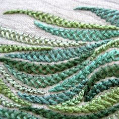 textileartist.org  broderie embroidery tige plant vegetal (tracy a franklin, herringbone)