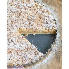 The best way to make apples even more delicious is to bake this apple vanilla tarte with marzipan crumbles!  #recipeinmyarchive  Die beste Weise Äpfel noch leckerer zu machen ist diese Apfel-Vanille-Tarte mit Marzipanstreuseln zu backen!  #rezeptimarchiv #Food #essen #foodphotography #foodgasmDE #tarte #cake #kuchen #streusel #marzipan #wheatfree #weizenfrei #ohneweizen #ichliebefoodblogs #ahealthynut #thefeedfeed #weekend #wochenende #backen #baking #ilovebaking #ichliebebacken #applecak...