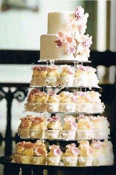 Trendy Wedding Cakes Ideas With Cupcakes Beautiful Wedding Cake Stands, Unique Wedding Cakes, Wedding Cupcakes, Unique Weddings, Trendy Wedding, Small Weddings, Romantic Weddings, Weddings On A Budget, Vintage Weddings