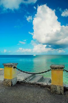St. Croix Honeymoon: Weather and Travel Guide | Photo by: Thinkstock | TheKnot.com