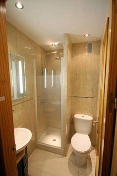 Resultado de imagem para imagens de banheiros muito pequenos