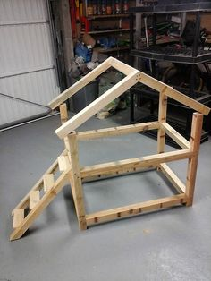 If anyone has a pet cat, but don't have enough money to buy a cat house for him/her; then it is not a big issue because anyone can make it at home by arranging the wood pallets. For the preparation of DIY wood pallet cat house, you need the saw for cutting the pallets according