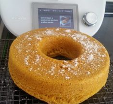 BIZCOCHO INTEGRAL DE ZANAHORIA AL VAPOR, una receta de Masas, panes y repostería, elaborada por Mª LUISA VIZOSO ROMERO. Descubre las mejores recetas de Blogosfera Thermomix® Coruña Jamie Oliver, Canapes, Doughnut, Healthy Recipes, Cooking, Desserts, Food, Bun Hair Piece, Recipes