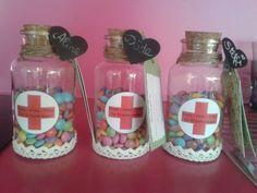"""""""Erste - Hilfe - Pillen für Erzieherinnen"""".  #geschenk#erzieher#erzieherin#kindergarten#smarties"""