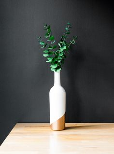 10-Minute DIYs: How to Make an Upcycled Wine Bottle Bud Vase