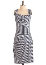 Love this navy & white stripe...