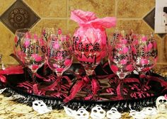 Painted party glasses Diva party