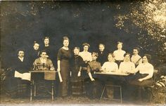 YOUNG WOMEN OUTING WITH SINGER SEWING MACHINE & VINTAGE REAL PHOTO POSTCARD