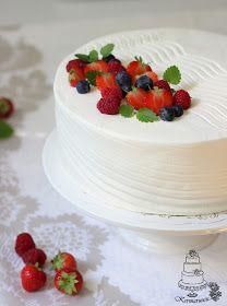 Kermaruusu: Kakun kuorruttaminen kermalla - video Marsala, Naked Cakes, Yummy Cakes, Marshmallow, Red Velvet, Panna Cotta, Cheesecake, Cherry, Birthdays