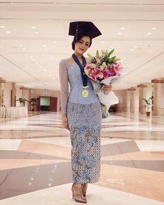 """Wisuda•Kebaya•OOTD on Instagram: """"Gorgeous #wisudastyle by @cintantya"""""""