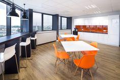 Projekt i realizacja pomieszczenia socjalnego w biurowcu Blue Tower / Design and implementation of social room in an office building Blue Tower